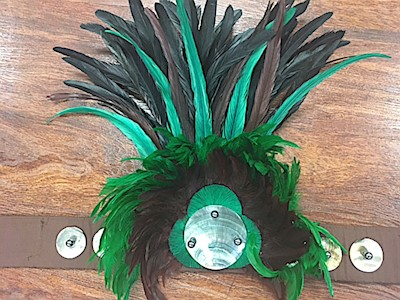 ALI'I TANE HEI with BLACK ROOSTER FEATHERS